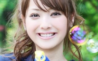 Nozomi Sasaki Soap Bubbles