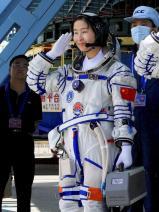 Liu Yang 04