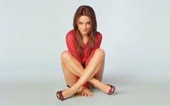 Mila Kunis Red