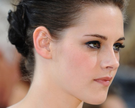Kristen Stewart. This is a very high resolution picture. Click to enlarge.