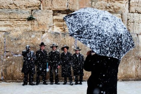 Kotel Haredim Snow Israel