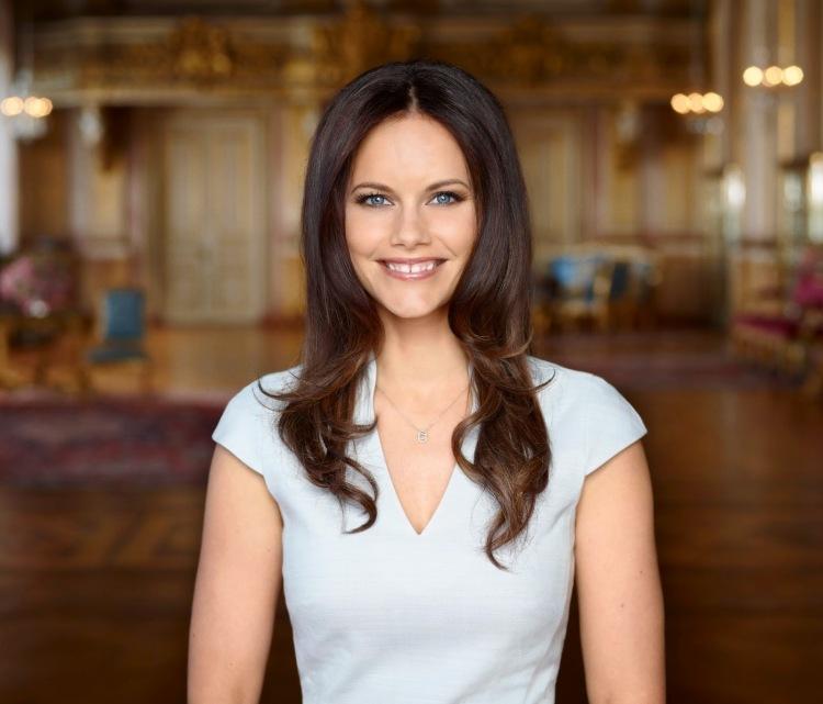sofia hellqvist portrait